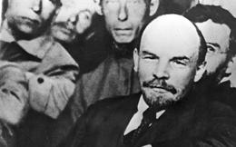 """Bức ảnh """"nhìn thấu"""" Liên Xô: Vũ khí tối thượng của Moscow trên chiếc đĩa in câu nói nổi tiếng của Lenin"""