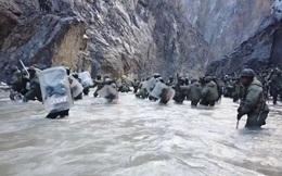 """Hé lộ hình ảnh xung đột """"đẫm máu"""" ở biên giới Trung-Ấn"""
