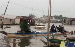 5 thanh niên liều lĩnh đâm thuyền vào công an để cướp lại hàng lậu