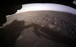 'Người thám hiểm' của NASA gửi hình ảnh chưa từng có về sao Hoả