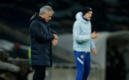"Jose Mourinho, Jurgen Klopp hồi hộp chờ nhận ""trát"" sa thải"