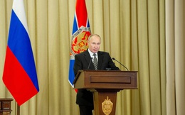 Tổng thống V.Putin tuyên bố: Chính sách kiềm chế Nga làhoàn toàn không có triển vọng