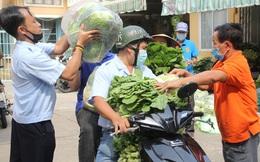 Người dân TPHCM hào hứng 'giải cứu' nông sản Hải Dương