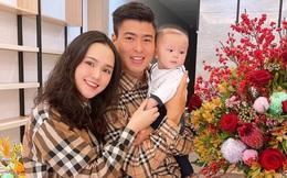 Quỳnh Anh hờn vì Duy Mạnh chỉ mua quà cho con trai, ôm con ngủ ngon lành mà không có gì cho vợ