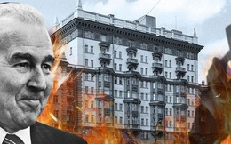 """""""Đa nghi như Tào Tháo"""", đại sứ Mỹ để mặc đại sứ quán ở Moscow cháy rụi"""