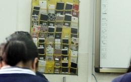 Học sinh Trung Quốc 'khóc ròng' vì loạt quy định mới cực gắt về điện thoại di động