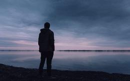 Dịch bệnh, làm việc online một mình và 5 bí mật kinh ngạc: Người trẻ tuổi cô đơn hơn người già