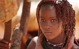 Lạ kỳ bộ lạc Himba chỉ tắm nước một lần trước khi cưới và làm sạch người bằng những giọt mồ hôi