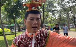 """Khương Dừa """"hài hước tố"""" Bảo Chung: Bảo Chung còn thiếu nợ, vừa qua nhà tôi mượn tiền nhưng tôi không cho"""