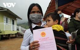 Người dân vùng sạt lở núi ở Nam Trà My nhận nhà mới đón Tết