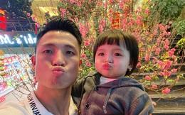 Về nhà đón Tết, hội tuyển thủ Việt Nam thi nhau khoe ảnh tình cảm bên con yêu