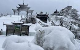 Đỉnh Fansipan -3 độ C, tuyết rơi dày 60cm như trời Tây