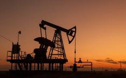 Giá dầu thế giới lần đầu tiên vượt 60 USD/thùng sau hơn 1 năm