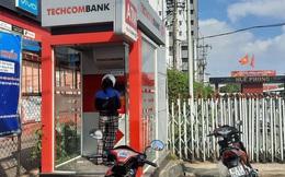 Chuyện lạ: ATM giao dịch ế ẩm những ngày cuối năm