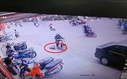 """Vụ mất laptop trên phố Hà Nội khiến tất cả phải cảm thán: """"Người rơi tài, người nhặt cũng tài"""""""