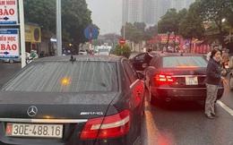 """Làm rõ hai """"xế hộp"""" giống nhau như hai giọt nước trên đường phố Hà Nội"""