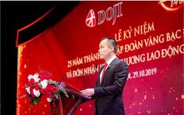 Thiếu gia đi xe máy của gia đình vàng bạc đá quý lớn nhất Việt Nam