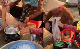 Chỉ bằng 1 chai nước suối, thanh niên đã kịp vạch mặt thủ đoạn cân điêu 'ăn 5 lạng - trả tiền 1,2kg'
