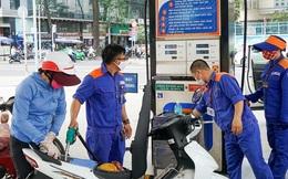 Giá xăng dầu ngày mai tiếp tục tăng mạnh?