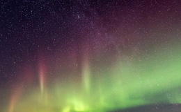 Lần đầu tiên: 'Bão không gian' với mưa electron được quan sát