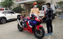 Thanh niên điều khiển xe phân khối lớn chạy 299km/h trên Đại lộ Thăng Long bị phạt 10,5 triệu