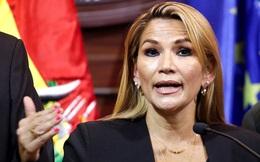 Cảnh sát ập vào bắt, cựu Tổng thống lâm thời Bolivia chui xuống gầm giường