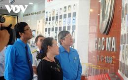 Người thân, đồng đội cũ xúc động tới thăm Khu tưởng niệm Chiến sĩ Gạc Ma