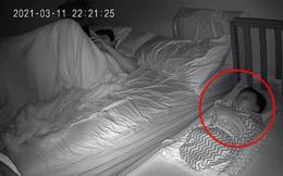 """Đêm soi camera, chồng tá hoả khi thấy một bàn tay trên người con gái, biết được lý do ai cũng """"ôm bụng cười"""""""