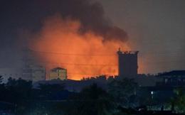 """Myanmar: Xe cứu hỏa bị chặn đứng, nhà máy TQ chìm trong biển lửa - Quân đội ban bố """"thiết quân luật toàn diện"""""""