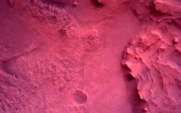 Những hình ảnh đầu tiên có độ phân giải cao được gửi về từ sao Hỏa