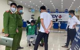 """Lời khai của kẻ cầm """"súng"""" và bọc đen dọa là mìn xông vào cướp ngân hàng ở Hà Nội"""