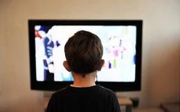 """Phát hiện con xem trộm """"phim người lớn"""", cách xử sự của người mẹ khiến nhiều phụ huynh khác phải học tập"""