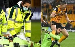 Sao Premier League bất tỉnh sau pha va chạm kinh hoàng với đồng đội
