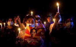Toàn cảnh người dân Myanmar đổ xuống đường, biểu tình phản đối quân đội