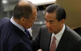 """Mời Ngoại trưởng Nga đến thăm Bắc Kinh sau màn đấu khẩu """"nảy lửa"""" với Mỹ, TQ muốn phát tín hiệu gì?"""