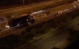 """Hàng trăm """"quái xế"""" chặn xe đường cao tốc tổ chức đua xe"""