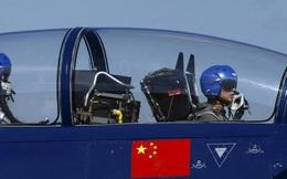Trung Quốc bỏ đào tạo phi công quân sự theo kiểu 'bảo mẫu' để bắt kịp phi công Mỹ