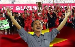 """Từ """"cơn lũ"""" tạm xuất tái nhập của Trung Quốc, mới thấy bóng đá Việt Nam hạnh phúc nhờ bầu Đức"""