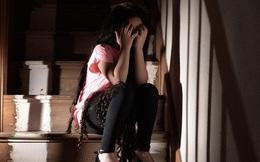 Bé gái 12 tuổi khai với cảnh sát bị cưỡng hiếp rồi mang bầu, đến khi chân tướng bị phơi bày, ai cũng choáng váng