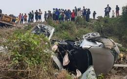 Hiện trường vụ tai nạn nghiêm trọng làm 3 xe cùng nhiều người rơi xuống vực ở Quảng Trị