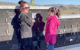 """Thúy Nga: """"Ngày nào đi làm về, bé Heo cũng lên nghĩa trang thăm anh Chí Tài"""""""