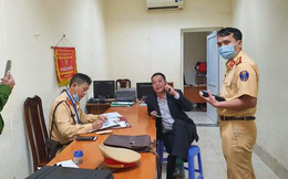 Danh tính tài xế ngủ trên camry xưng là quân nhân tát CSGT