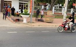 Ẩu đả lúc nửa đêm, một người chết, một người bị thương trước cổng UBND huyện