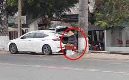Xôn xao hình ảnh người phụ nữ dùng xe hơi đi bán cam lề đường: Câu chuyện phía sau gây tò mò