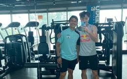 Văn Toàn luyện cơ với HLV Thái Lan trước ngày đối đầu Viettel FC, thể chất thay đổi thấy rõ