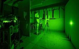 """Trung Quốc phát triển loại tia laser có thể nhìn thấu vật thể """"trốn trong tường"""" ở khoảng cách 1.400m"""