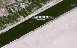 Nằm chắn ngang kênh đào Suez, tàu hơn 200.000 tấn chặn dòng hàng 9,6 tỷ USD mỗi ngày