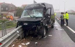 Dải phân cách đâm xuyên xe limousine trên cao tốc, 2 người thoát chết
