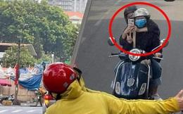 Tấm ảnh hài hước đang được chia sẻ rầm rộ: Vô tình thấy gương, cặp đôi có bức selfie cực chất