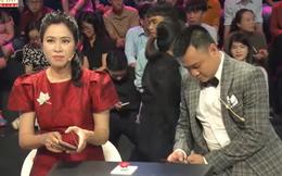 """Tự Long """"đáp trả"""" MC Quỳnh Hoa khi bị phát hiện nhắn tin cho người lạ không phải vợ"""